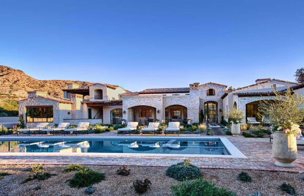 Luxury Home in Paradise Valley with a Pool